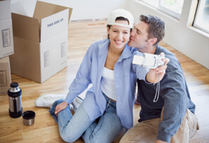 young doctors moving to a new home using the physician loans relocation service